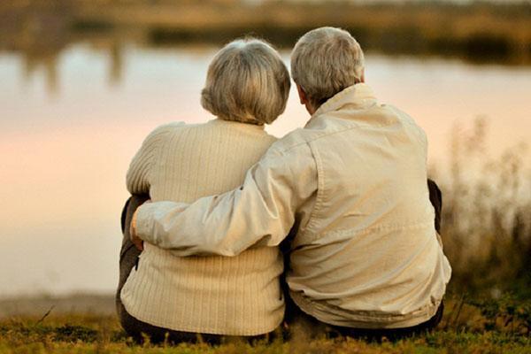 крепкие отношения - здоровая старость
