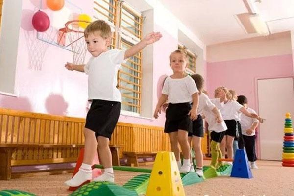физическое воспитание в садике