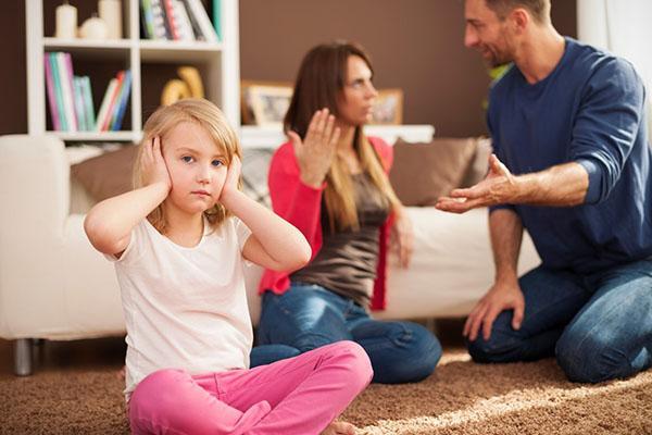 неправильное поведение родителей