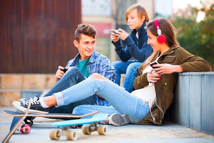 легкое общение подростков