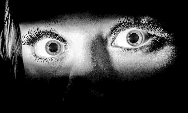 проявление паники и страха