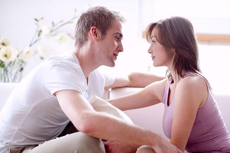как понять, что девушка влюблена, но скрывает это