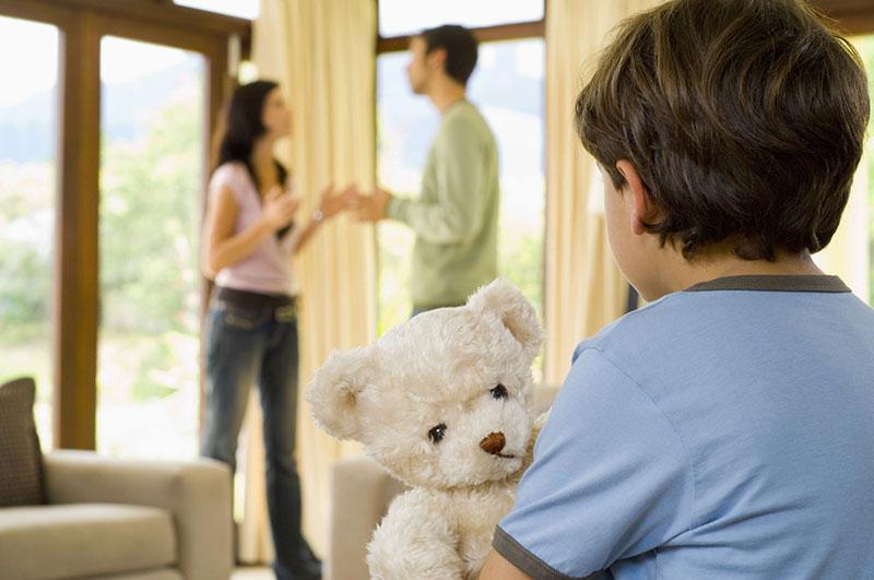 после развода родителей