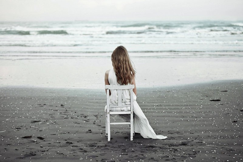 побыть наедине с собой