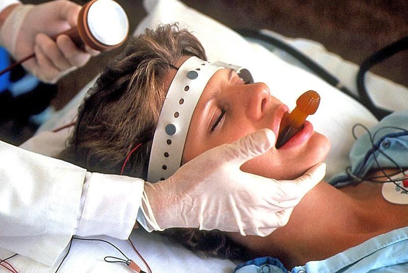 электросудорожная терапия