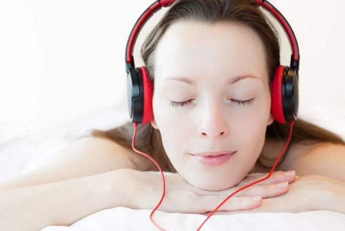 слушаем успокаивающую музыку