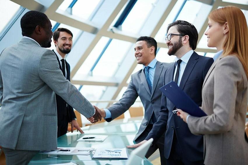 манера общения в деловых кругах